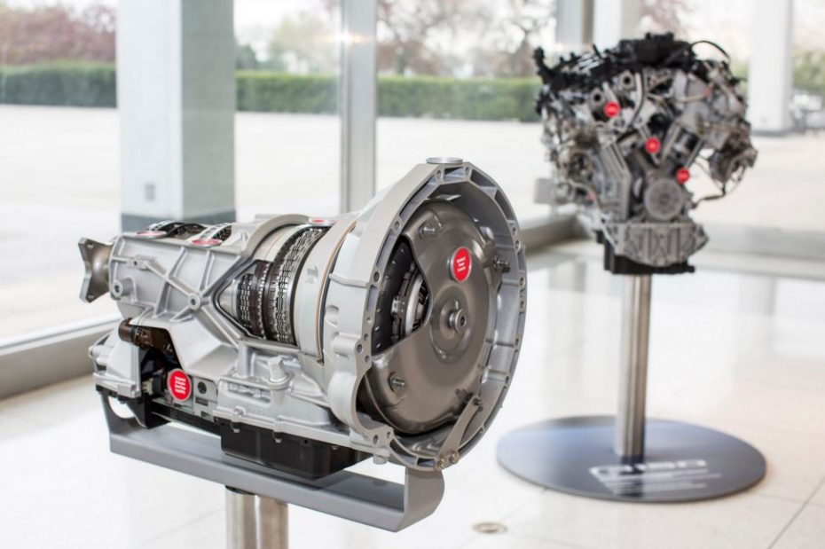 Ecoboost V6 biturbo de 3.5 litros y una transmisión automática de 10 velocidades: El futuro de los pickups de Ford