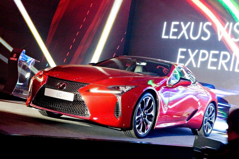 Conocemos en directo al Lexus LC 500, el imponente coupé que podrás ver en el Salón de Madrid