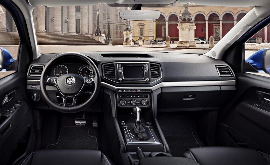 El Volkswagen Amarok 2016 nos enseña su bonito interior: Ahora sí puede presumir de acabados