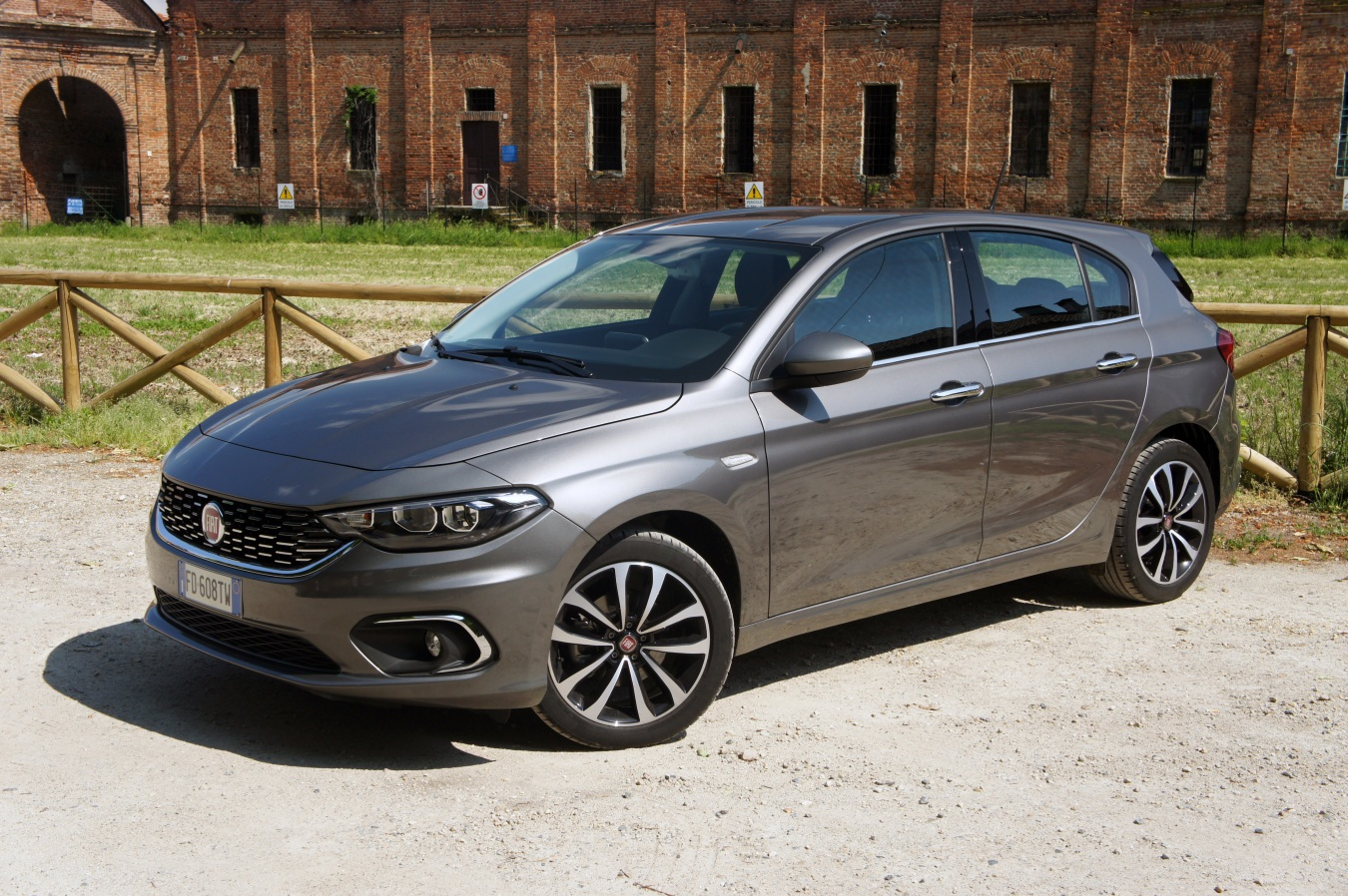 el fiat tipo hatch t jet 120 cv ya est a la venta en espa a adaptado a glp. Black Bedroom Furniture Sets. Home Design Ideas