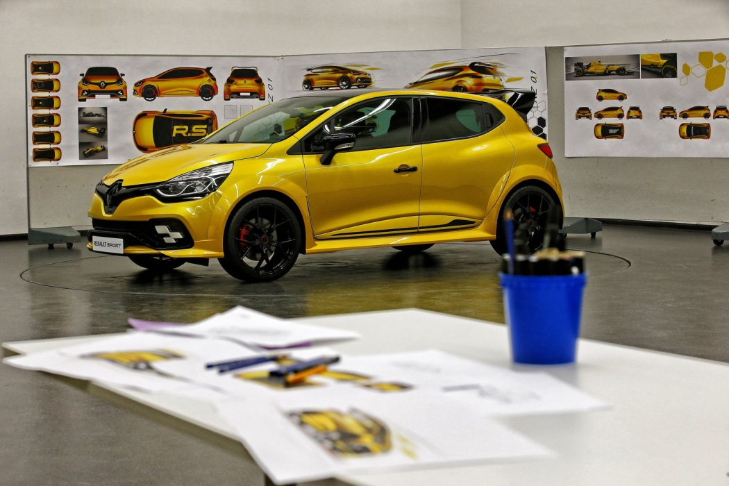 renault-clio-rs-16-8