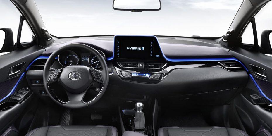 Así es el interior del Toyota C-HR: Futurista y diferente