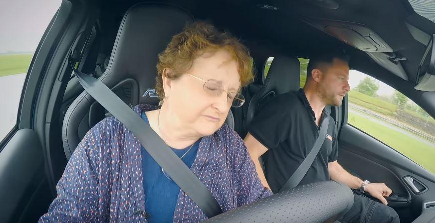 """""""¡Hasta tu madre puede hacer Drift con un Focus RS!"""": Sólo hay que pulsar un botón…"""