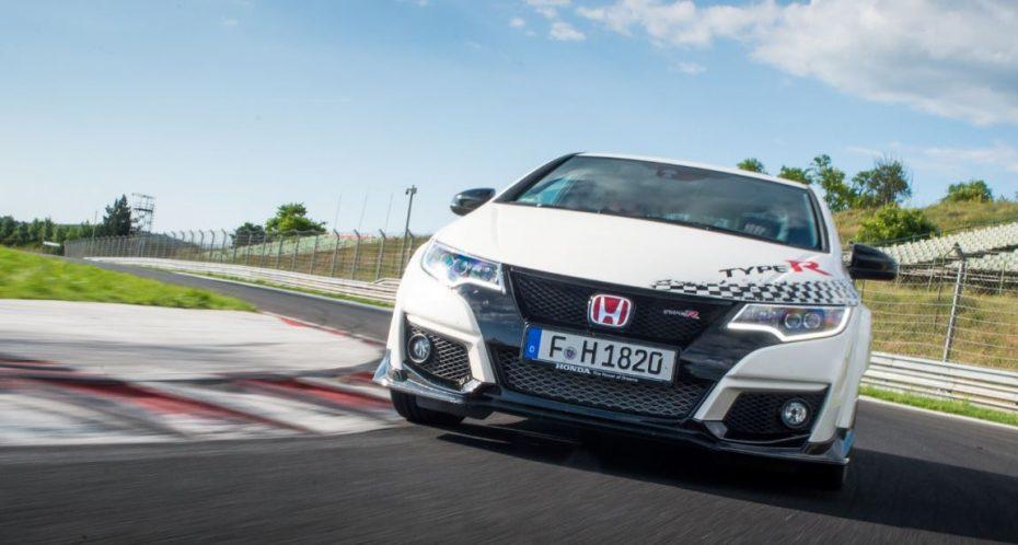 El Honda Civic Type R reta al Golf GTI Clubsport S y al Mégane R.S. 275 Trophy-R: Si crees ser el más rápido, demuéstralo en otros circuitos…