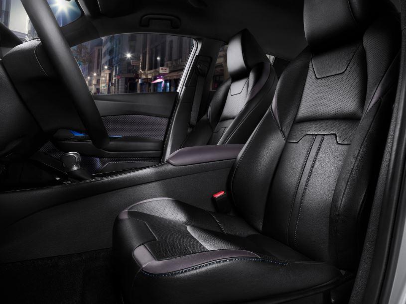 Interior Toyota C-HR 6