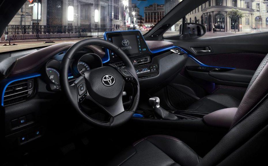 Toyota revela el interior del C-HR: ¿Un nuevo rumbo en la marca japonesa?