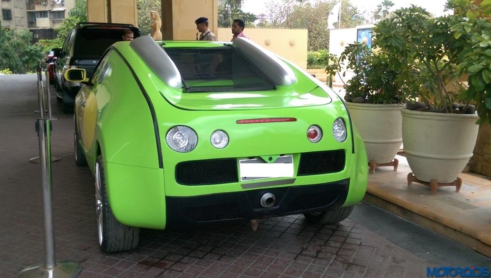 Réplica india Bugatti Veyron (4)