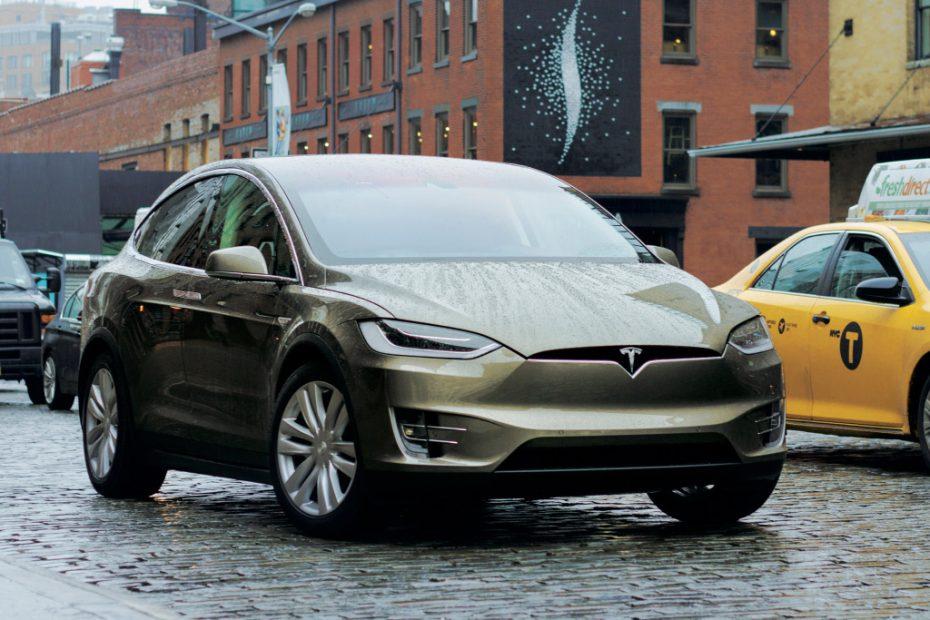 Tesla lanzará nuevos productos, entre ellos un pick up, un SUV compacto e incluso camiones
