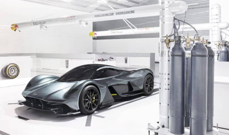Aston Martin y Red Bull Racing revelan el AM-RB 001: Un exclusivo hypercar con V12 de aspiración natural