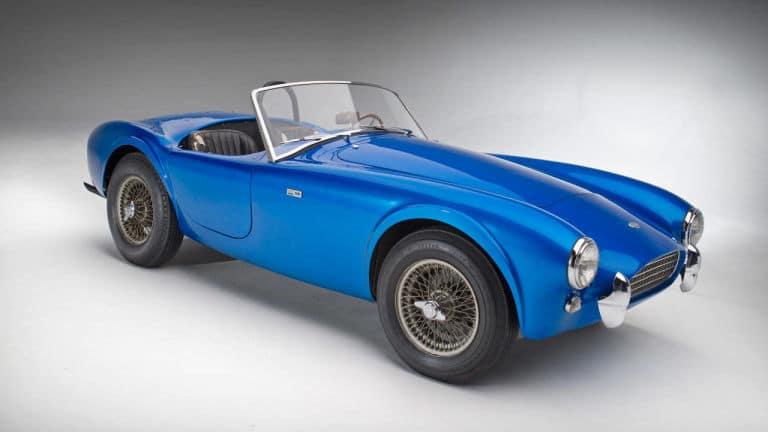 El Shelby Cobra original de Carroll Shelby bate un récord en subasta: Casi 14 millones de dólares