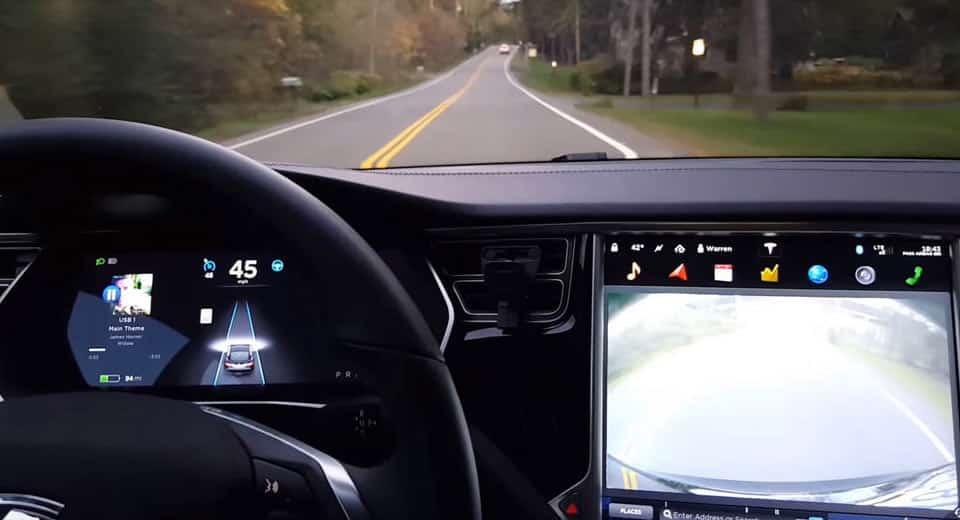 No corren buenos tiempos para Tesla: Limitaciones para el Autopilot también en China