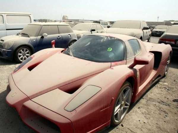 Coches abandonados Dubai.20