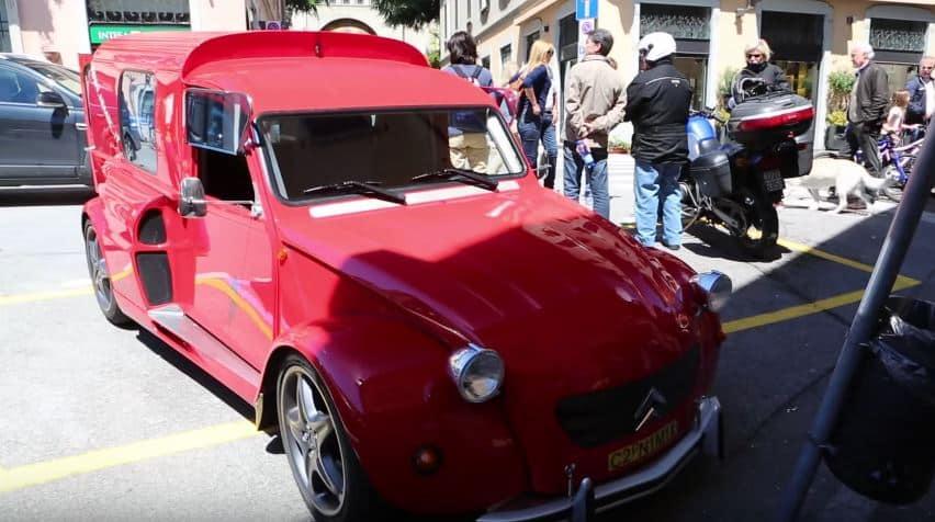 [Vídeo] ¿Un Citroën 2CV Fourgonette con el chasis y el motor V8 de un Ferrari 355? ¡Mamma Mía!
