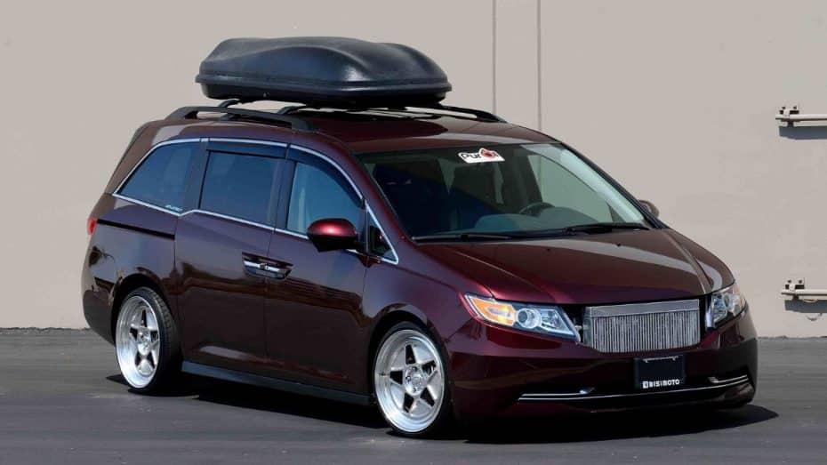 ¡Santa locura! Si buscas un monovolumen de 1.000 CV, este Honda Odyssey es tu media naranja