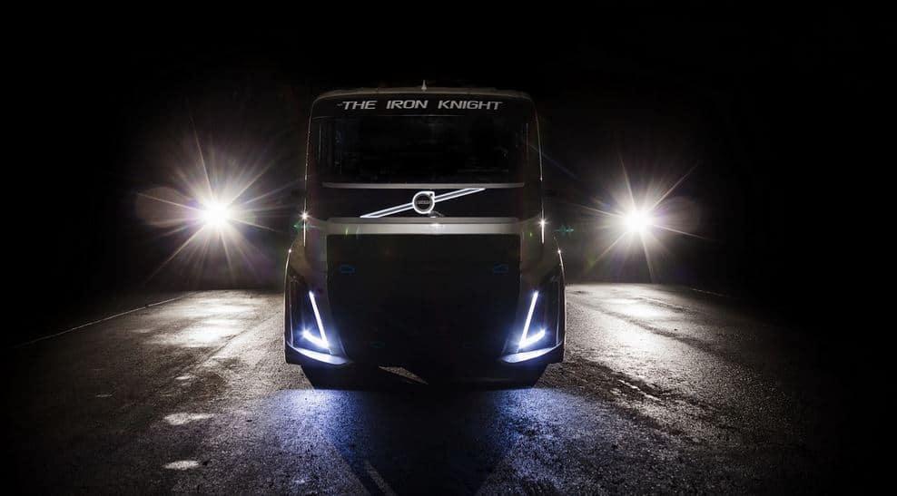 ¿Estamos ante el camión más rápido del planeta?: Ojito con este Volvo de 2.400 CV