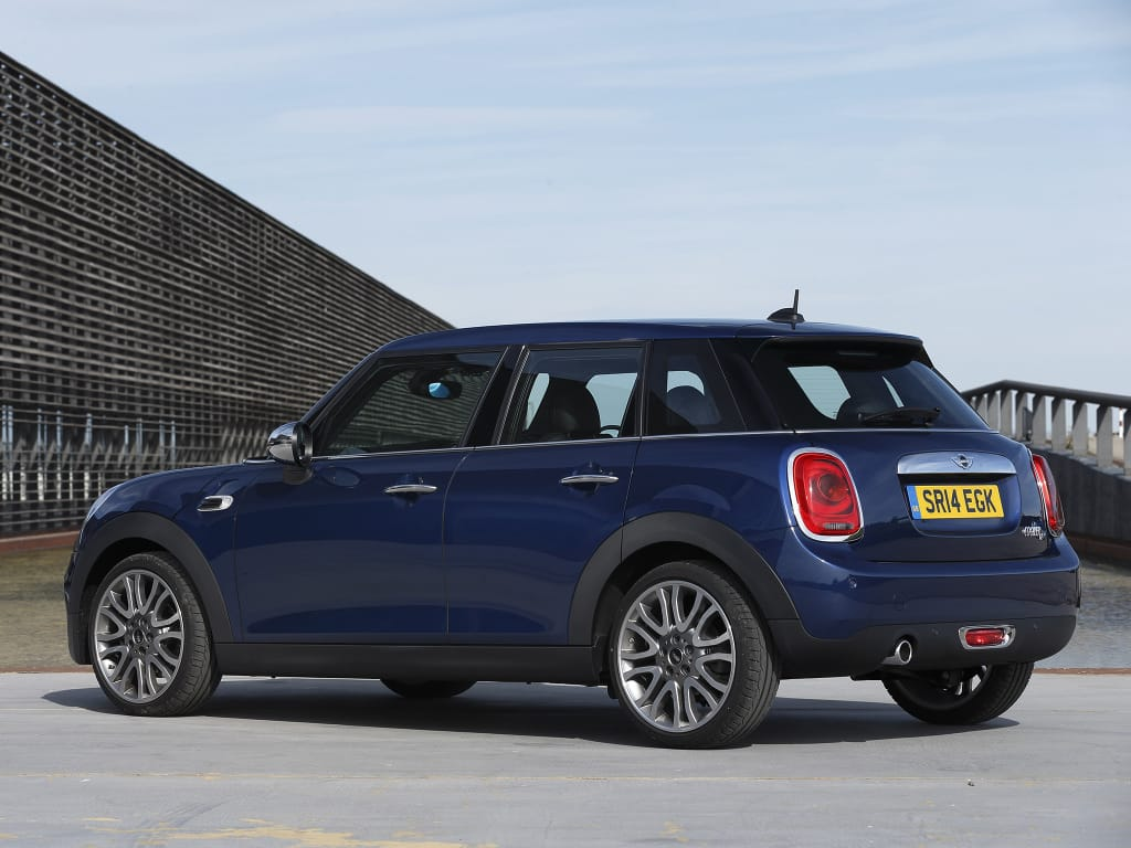mini_cooper_d_5-door_uk-spec_9
