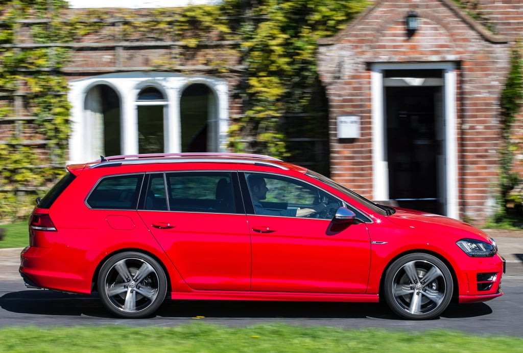 volkswagen_golf_r_estate_14