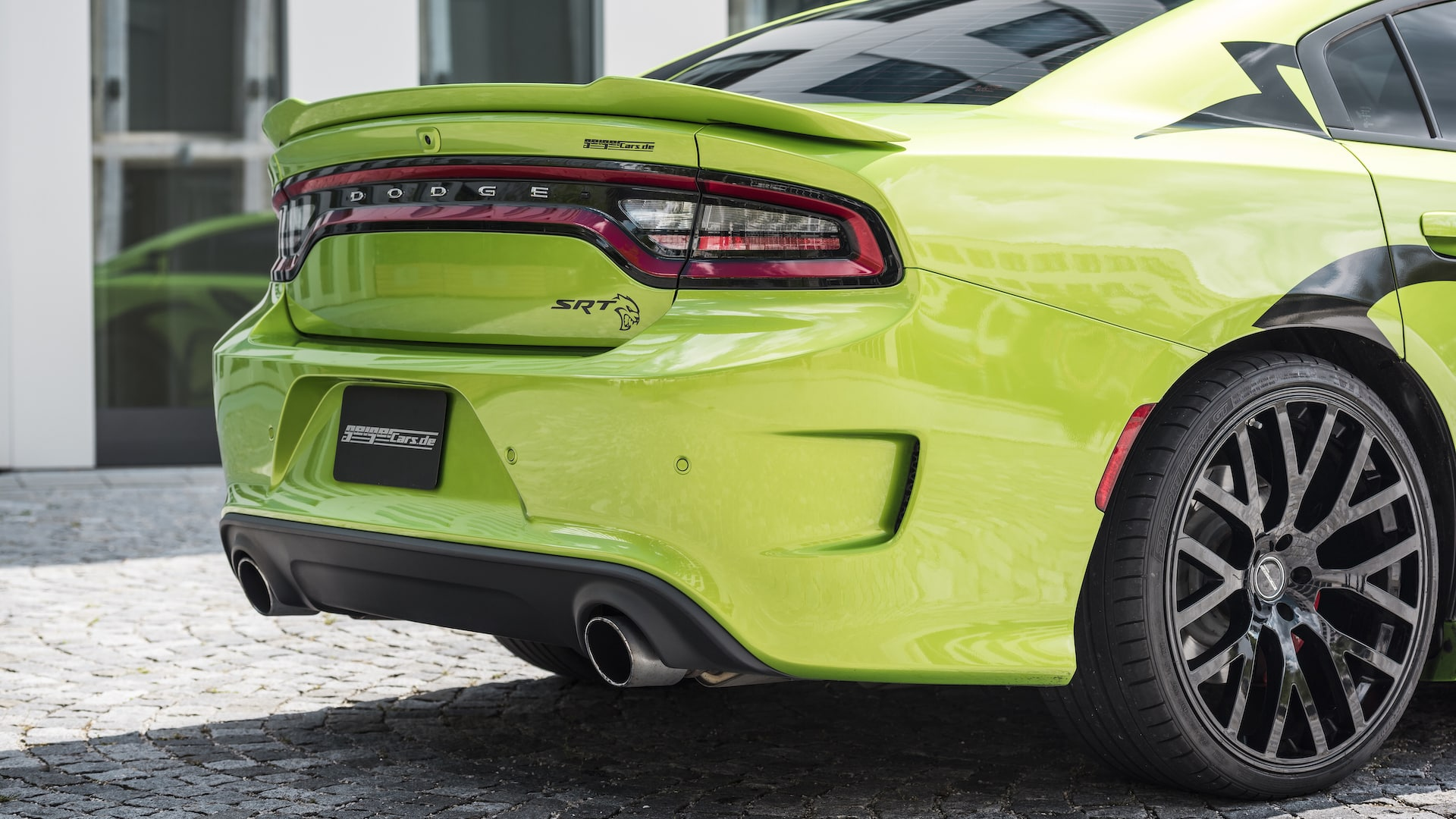 dodge-charger-srt-hellcat-13