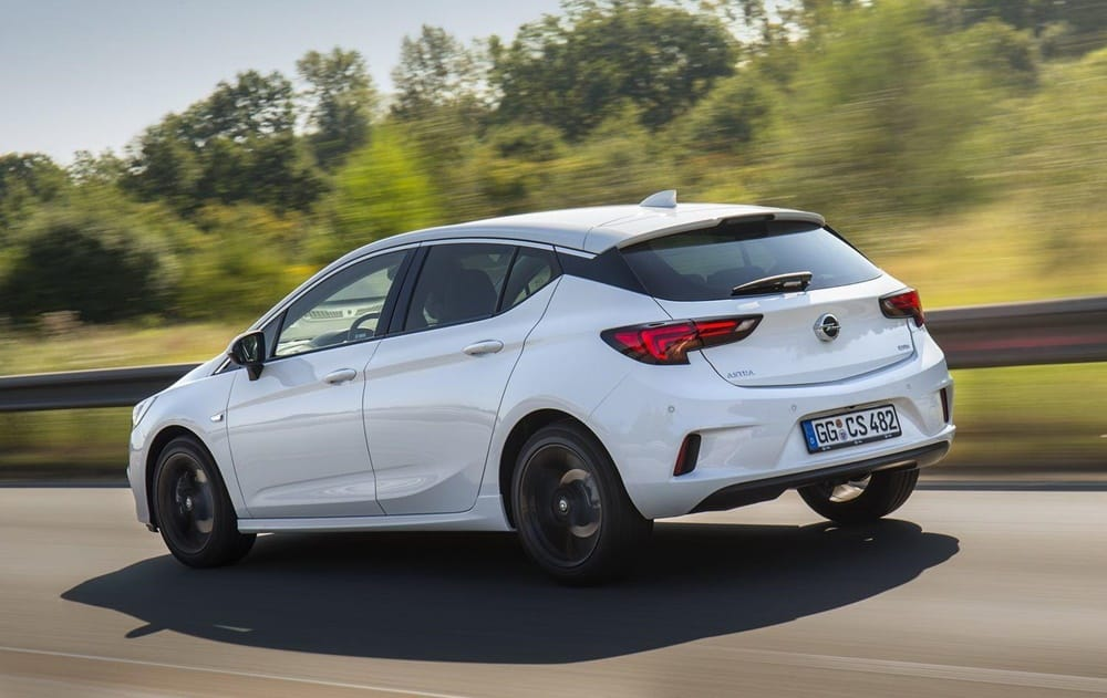 Opel Astra OPC Line Sport Pack (5)