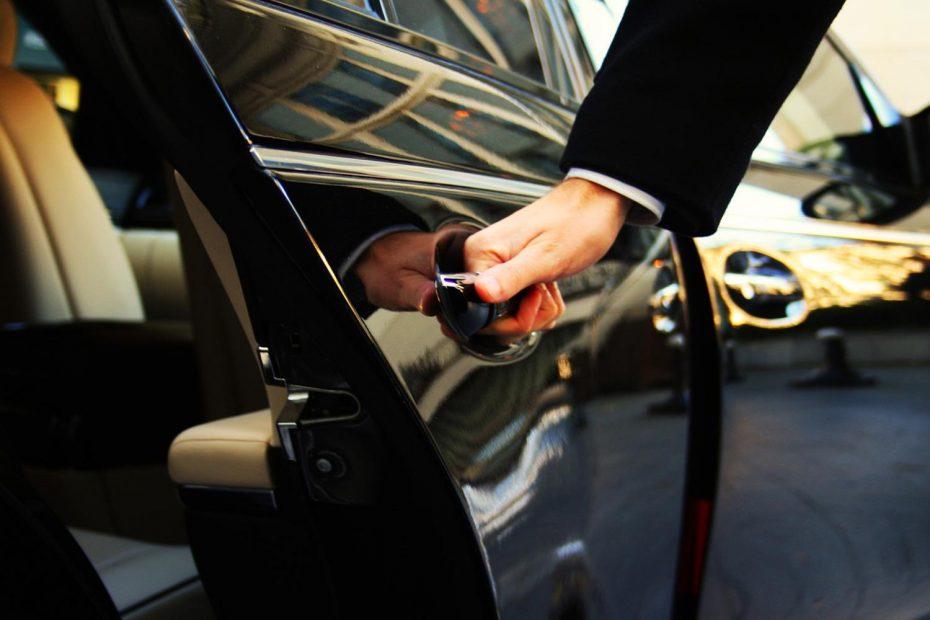 Nuevo duro golpe para Uber: El abogado de la UE da la razón a los taxistas