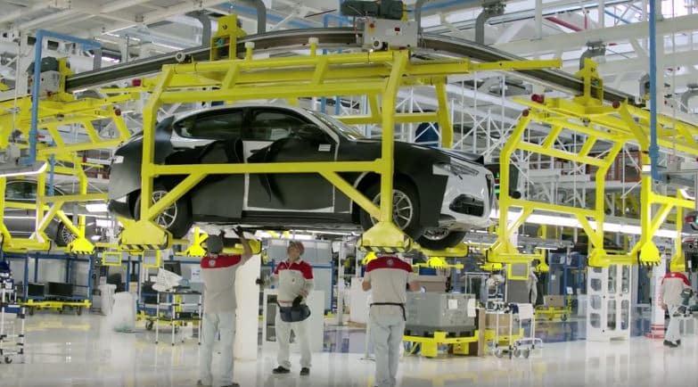 El SUV de Alfa Romeo se deja ver en un vídeo de la marca: Los renders han dado en el clavo…