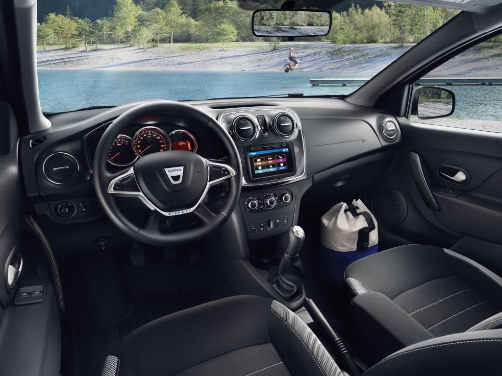 Dacia/Renault Logan y Sandero facelift (2017) 24