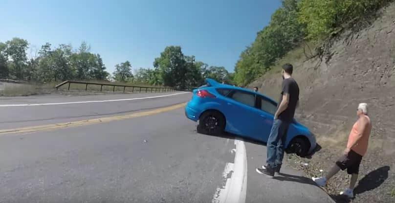Pulsas el botón del Drift Mode del Focus RS y acabas contra una montaña y expulsado del club…