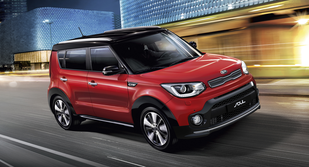 kia_soul_my17_outdoor_1_with_suv_pack