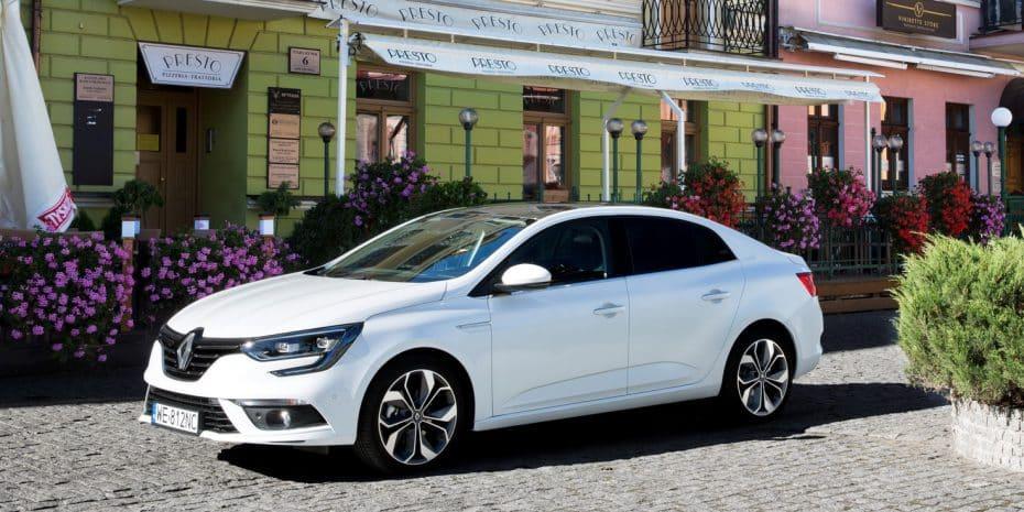 Todas las fotos del nuevo Renault Mégane Sedán que no podrás comprar en España