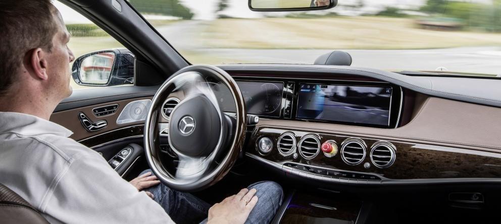 California abre las puertas al futuro: La conducción autónoma sin supervisión humana ya es legal