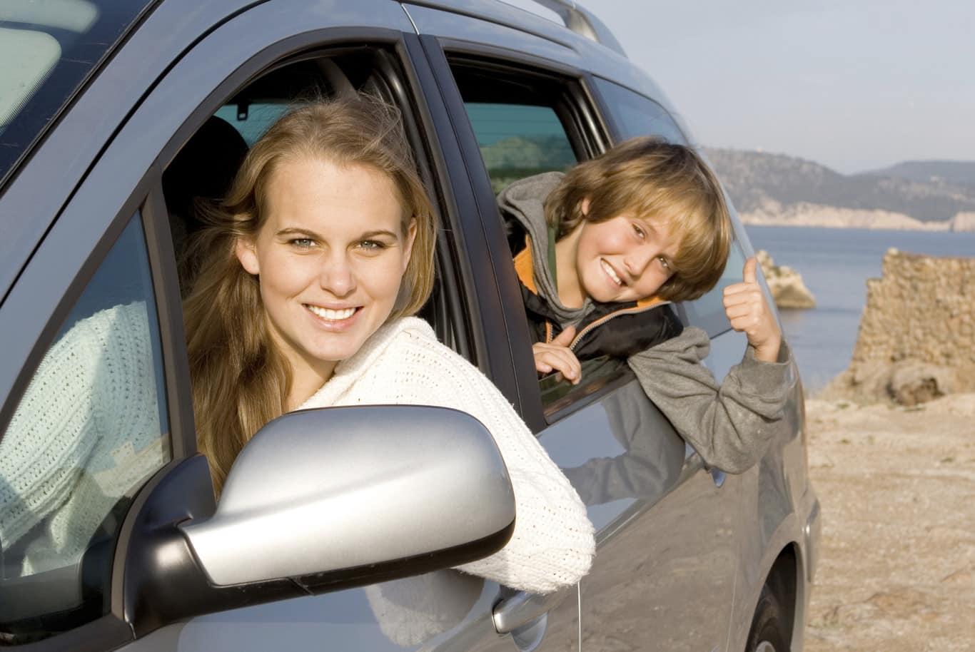 Te contamos cuántas personas pueden ir en un coche
