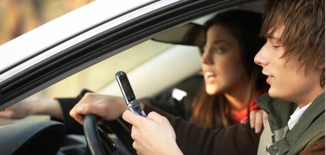 ¡Nuevo récord! Pierde su permiso de conducir tan sólo 49 minutos después de haberlo conseguido