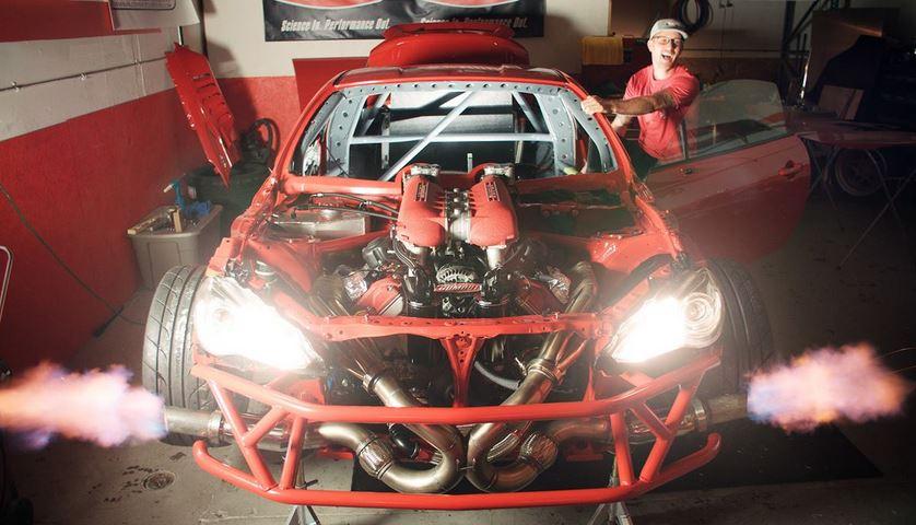 ¡Bendita locura!: Esto es lo que ocurre cuando metemos el bloque V8 de un Ferrari en un Toyota GT86