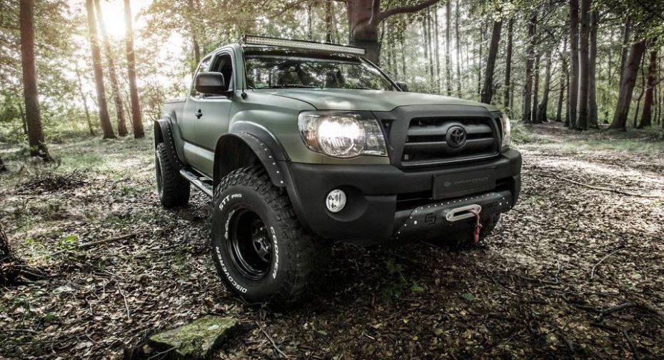 Este Toyota Tacoma de Carlex es toda una bestia que parece sacada ¡Directamente del ejército!