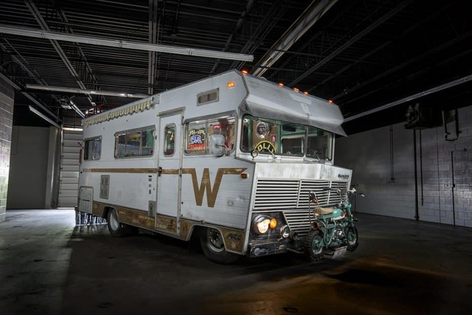 ¿Recuerdas la caravana de 'Breaking Bad'? Pues esta mola más y esconde 900 CV en sus entrañas