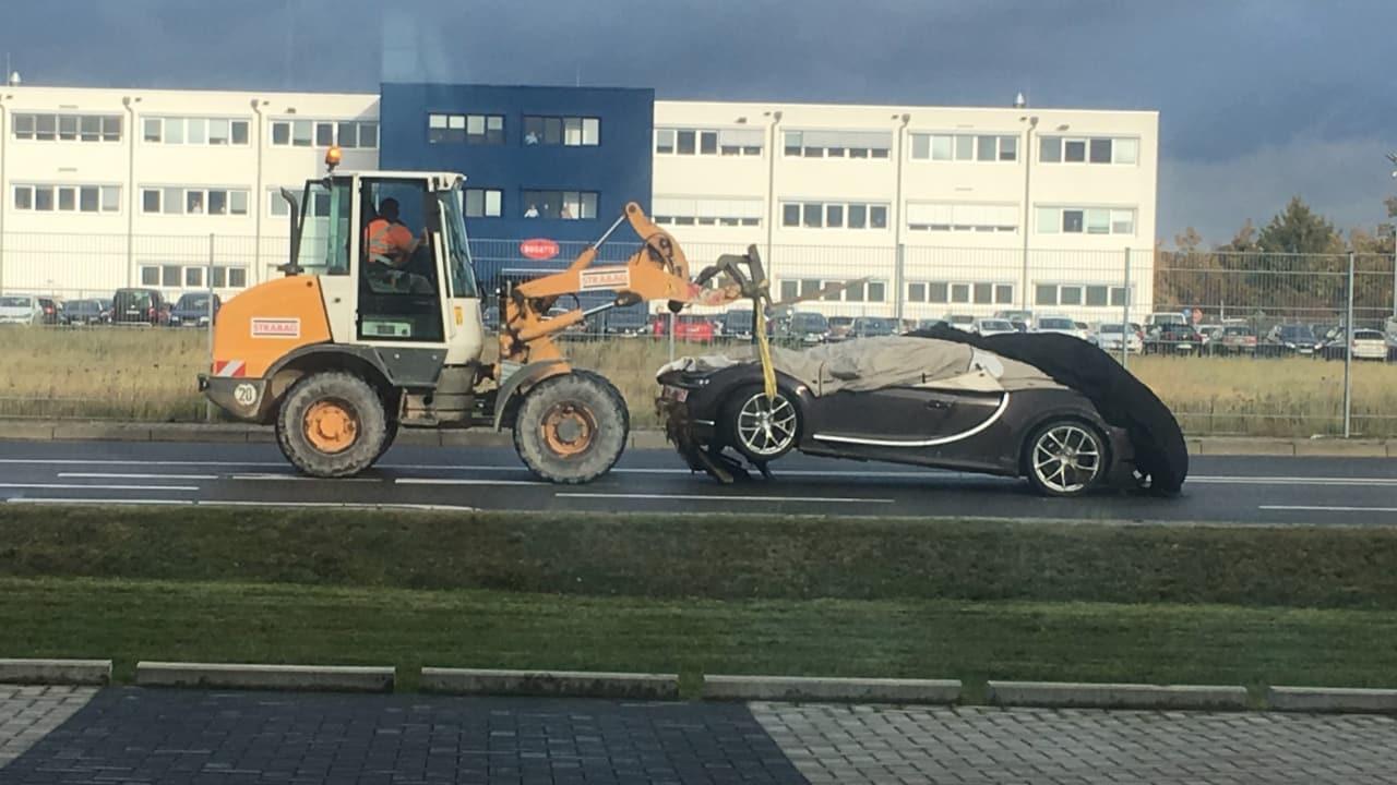Para llorar: El Bugatti Chiron no lleva ni un año en el mercado y ya hay uno accidentado