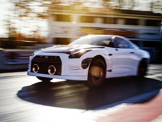 Este Nissan GT-R acaba de romper el récord del cuarto de milla gracias a sus ¡Más de 2500 CV bajo el capó!