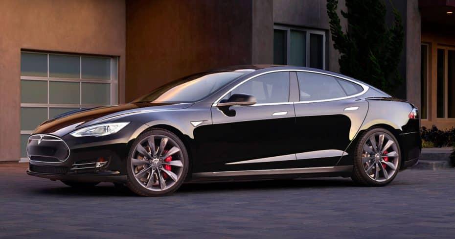 Más problemas para Tesla: Esta vez, a pagar a 126 compradores noruegos del Model S P85D