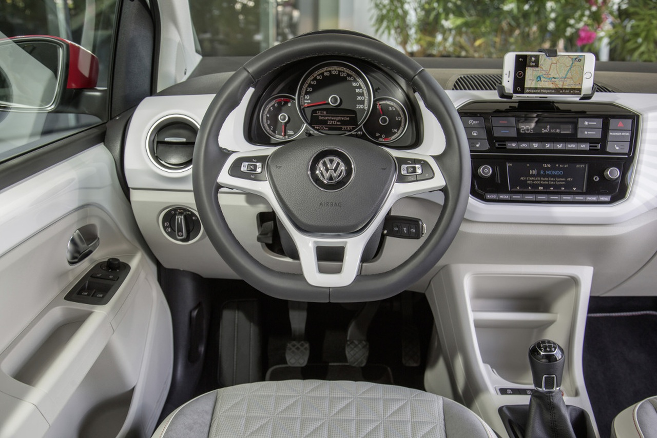 volkswagen-up-beats2