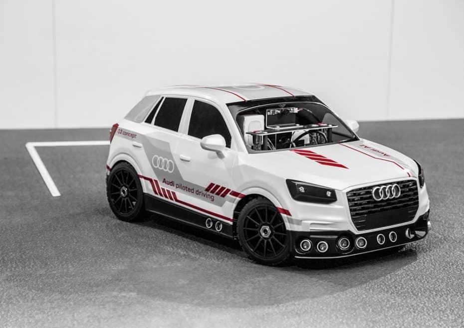 Parece un coche de juguete, pero este Audi Q2 es capaz de aprender y desarrollar estrategias