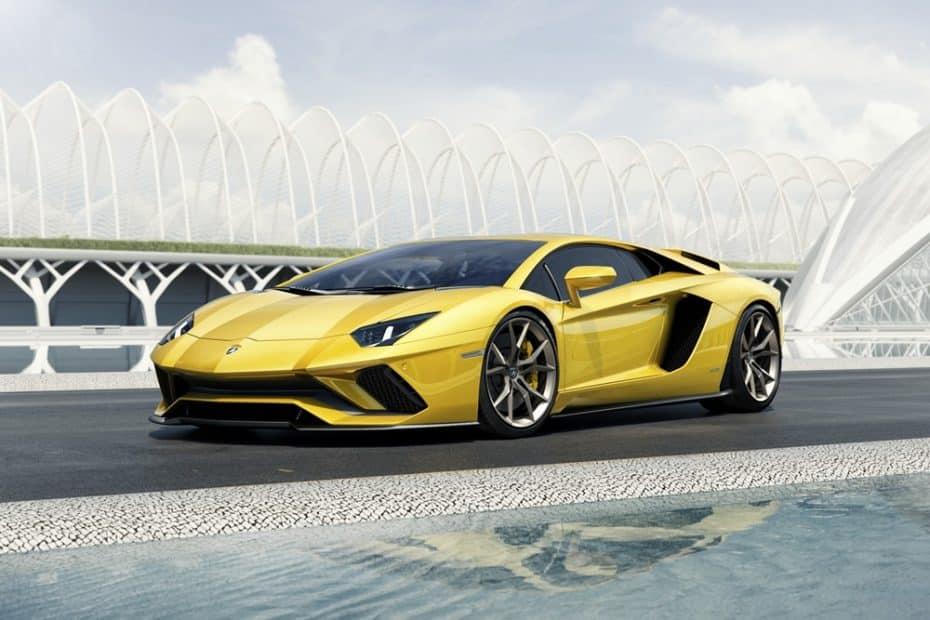Lamborghini Aventador S: El Toro por excelencia ahora más potente y con sorpresa en su dirección
