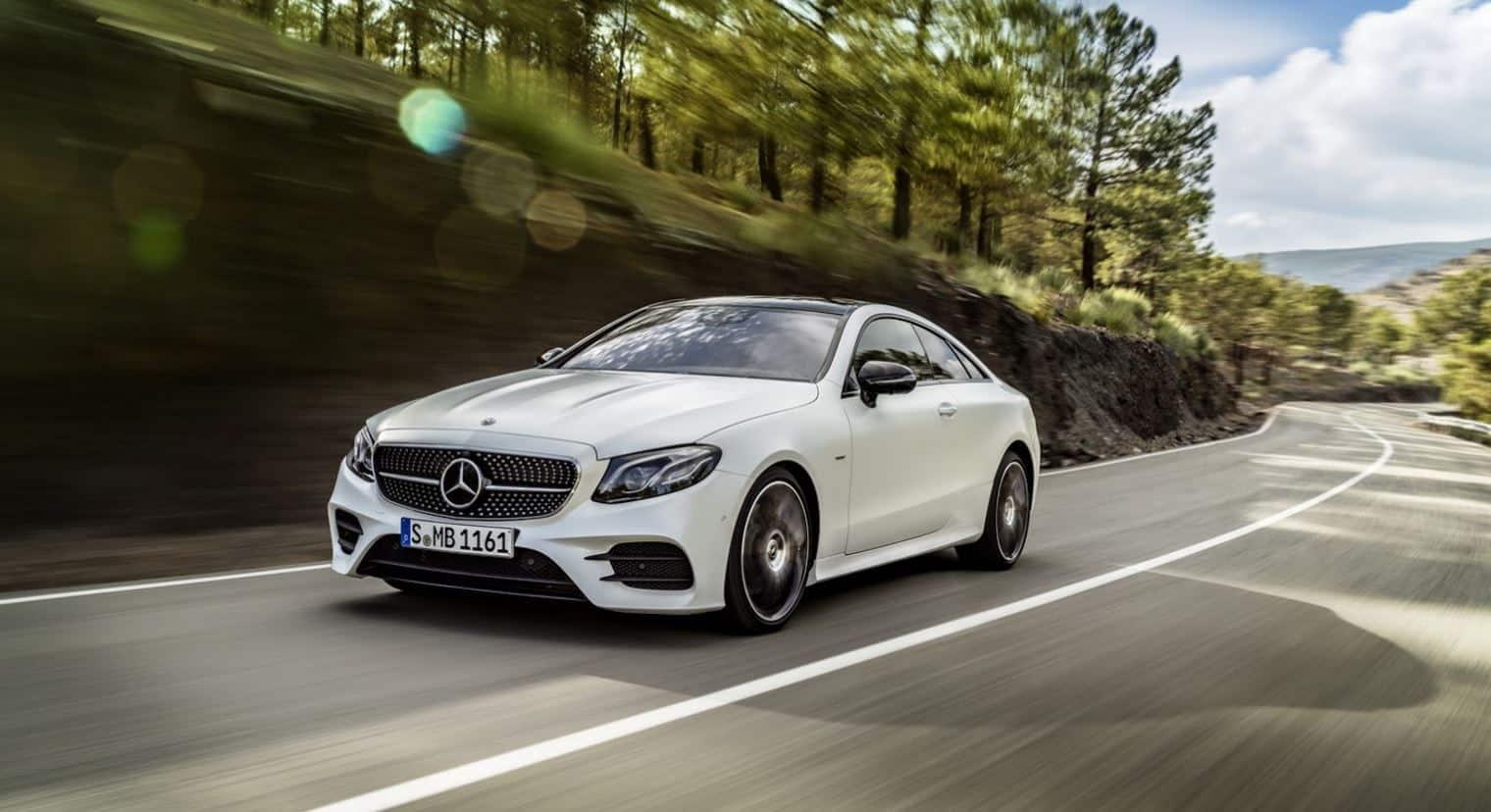Mercedes-Benz Clase E Coupé: Sus hermanos no pueden decir que no es de la familia…