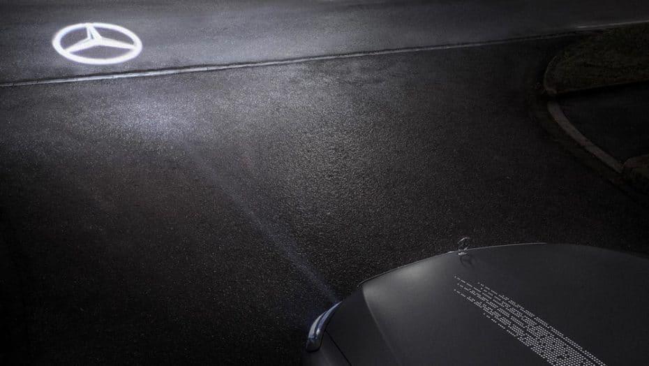 Mercedes-Benz Digital Light: La iluminación inteligente que no dejará de sorprenderte