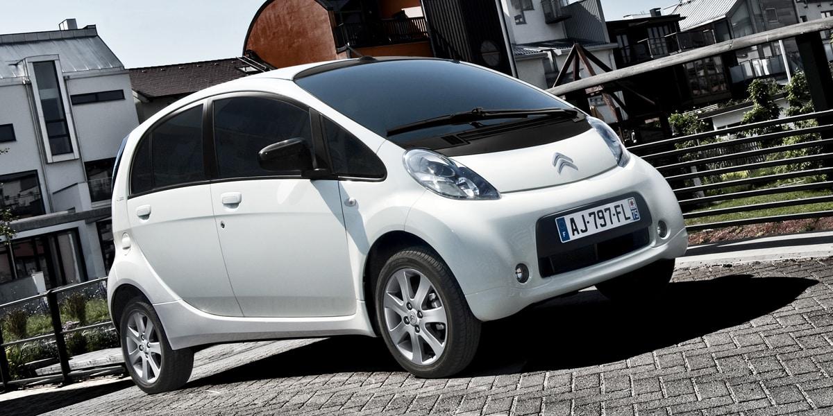 Los Citroën C-Zero, Mitsubishi i-MiEV y Peugeot iOn son el mismo coche eléctrico barato