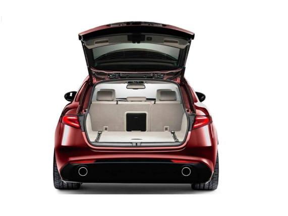 ¿Primera imagen del Alfa Romeo Giulia SW?