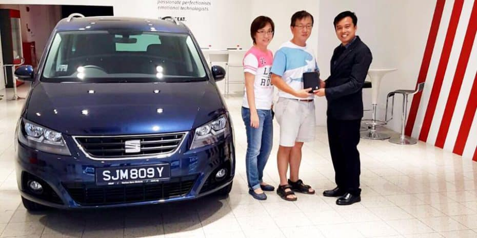 SEAT entrega el primer vehículo en Singapur: Un Alhambra de 112.000 €