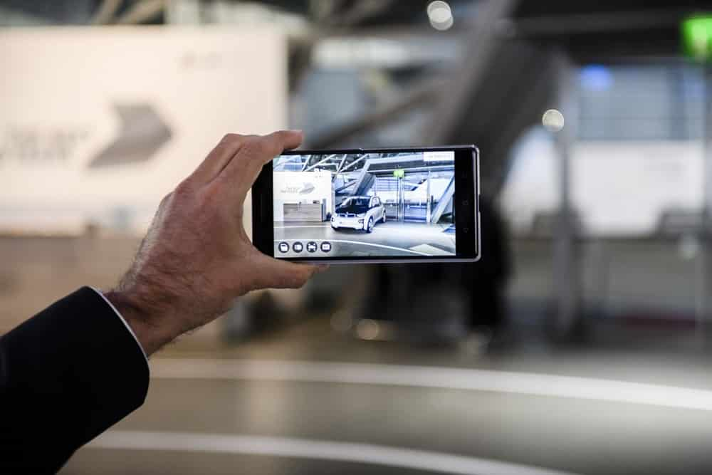 bmw-i-pilots-augmented-reality-5