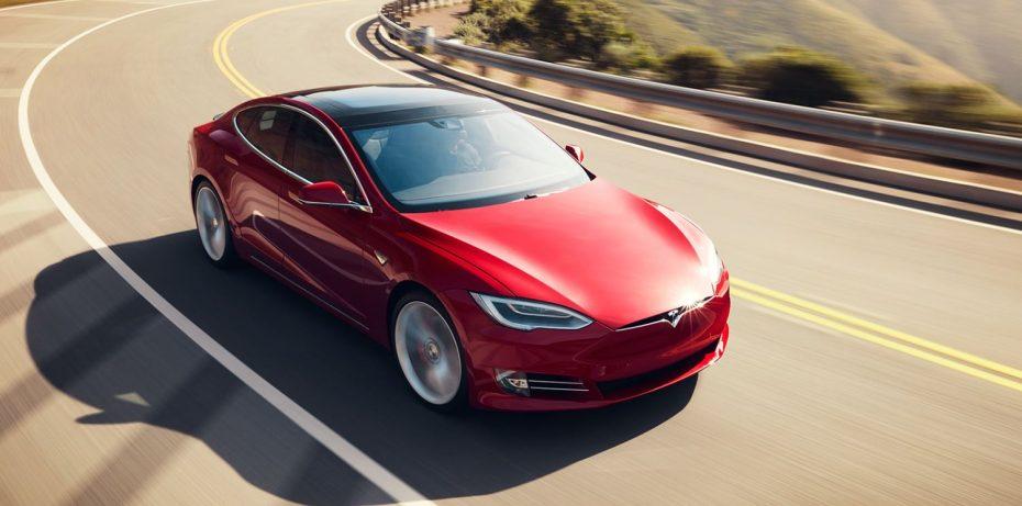 Tesla apuesta muy fuerte por la innovación constante: Sus modelos sufrirán cambios cada año