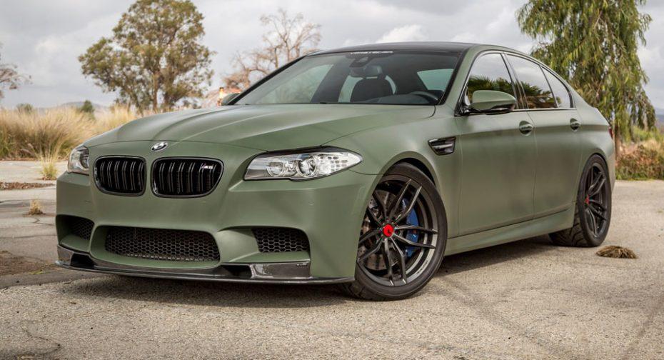 ¿Un BMW M5 con pintura militar? El BMW M5 de Vorsteiner es todo un misil con ruedas