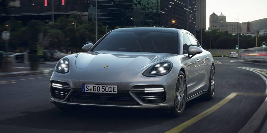 Saluda al nuevo Porsche Panamera Turbo E-Hybrid: 680 CV y sólo 2,9 L/100